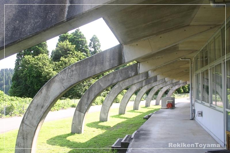 旧仏生寺小学校�A_R.JPG